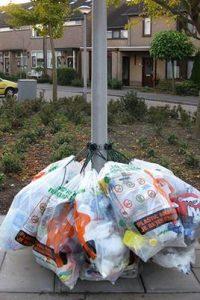 Proef Met Haken Voor Plastic Afval Zakken Wijkplatform Loovelden